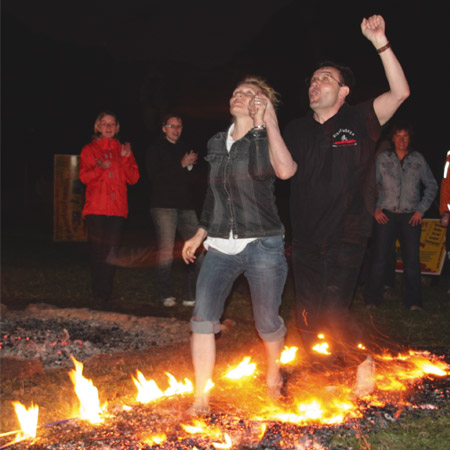 fire walking impreuna